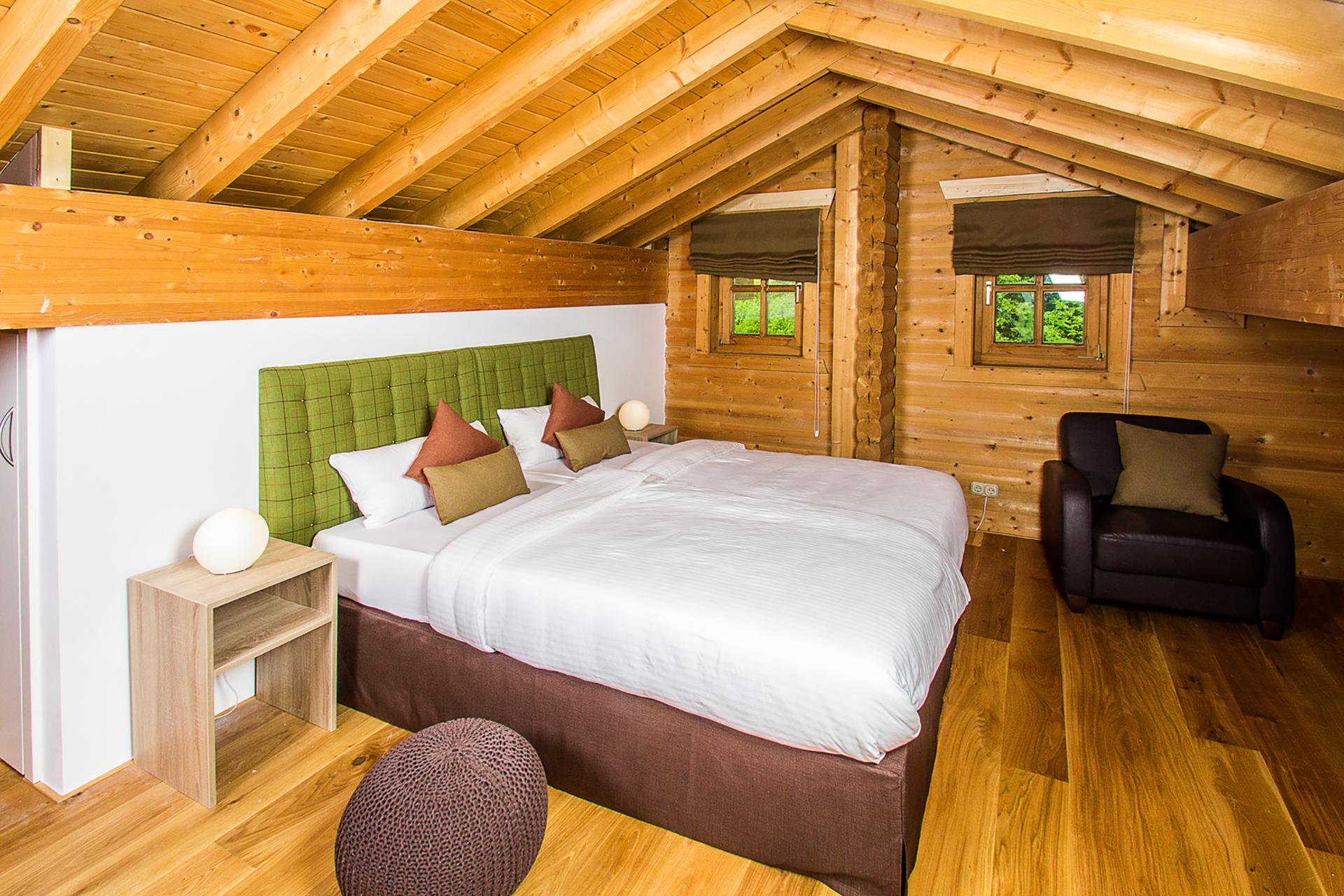 Chalet 2 Schlafzimmer 1